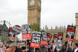 Londra: marcia contro l'austerità e in solidarietà alla Grecia