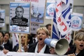 Air France: parliamo anche della violenza dei piani di ristrutturazione