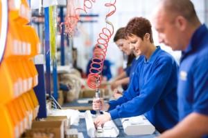 lavoratori catena