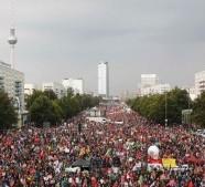"""TTIP e CETA: imponenti manifestazioni in Germania contro i trattati che """"minacciano la democrazia"""""""