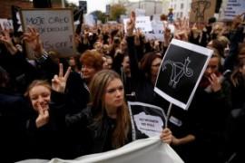Polonia: ritirata la proposta di legge contro l'aborto. Ma la lotta delle donne non finisce mai