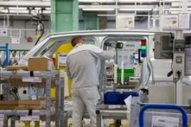 La Russia scioglie il sindacato dell'auto