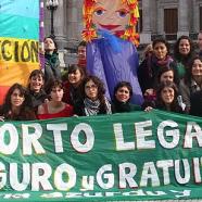 Documento di Ni Una Menos Argentina sul voto in parlamento per depenalizzare l'aborto