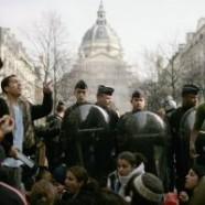 Francia: 18mila studenti rifiutano di lavorare per aziende che inquinano