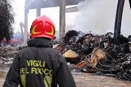Terre dei fuochi ovunque: aumentano in Italia gli incendi di depositi di rifiuti